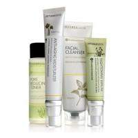 Комплект с омолаживающим увлажнителем, 4 продукта - Essential Skin Care System With Anti-Aging Moisturizer